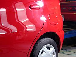 写真1:トヨタ ファンカーゴの鈑金補修塗装