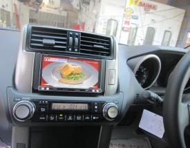 写真1:トヨタ ランドクルーザープラド カーナビ・フリップダウンモニター取り付け