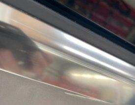 写真1:欧州車 アルミ枠 シミ取り